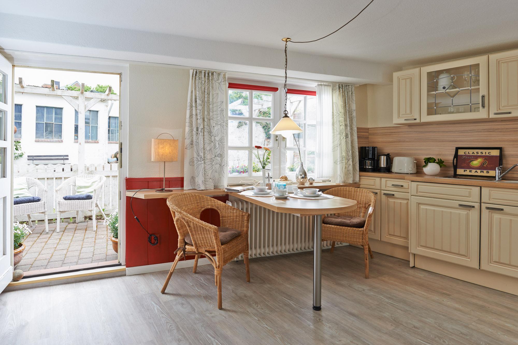 ferienwohnungen in husum. Black Bedroom Furniture Sets. Home Design Ideas
